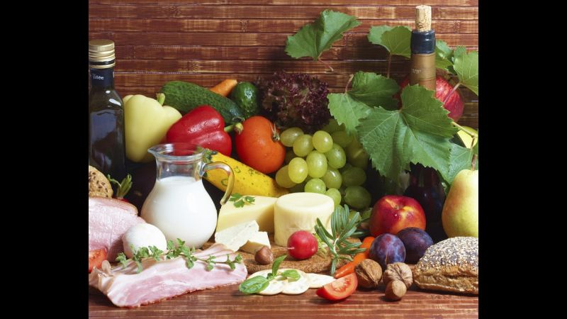 Eating Healthy in Midlife Helps Protect the Brain